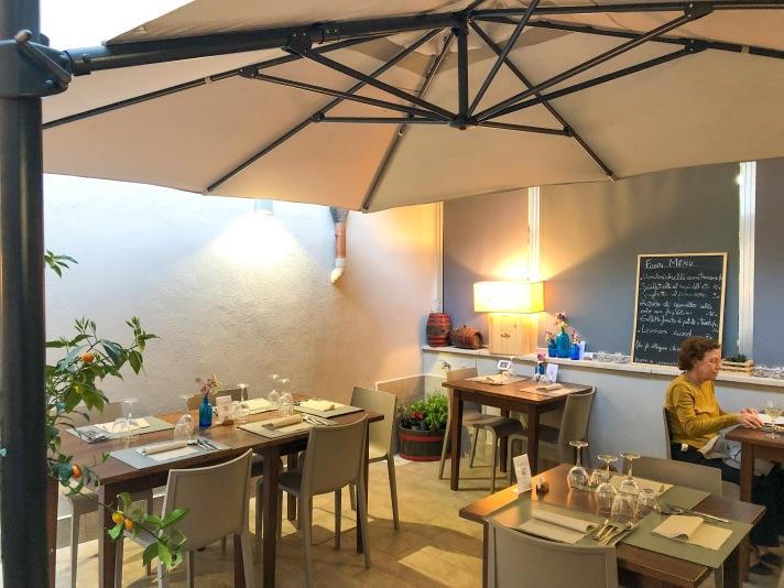 Casale Management - Food - Italia - Italy - Umbria - Orvieto - Il Labirinto di Adriano - Pranzo - Cena - Design - Interior - Interni - Cortile interno - Coorte