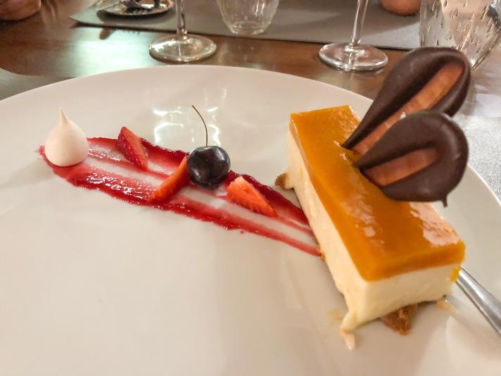 Casale Management - Food - Italia - Italy - Umbria - Orvieto - Il Labirinto di Adriano - Pranzo - Cena - Dolce - Cheesecake al cioccolato bianco e gelè al mango