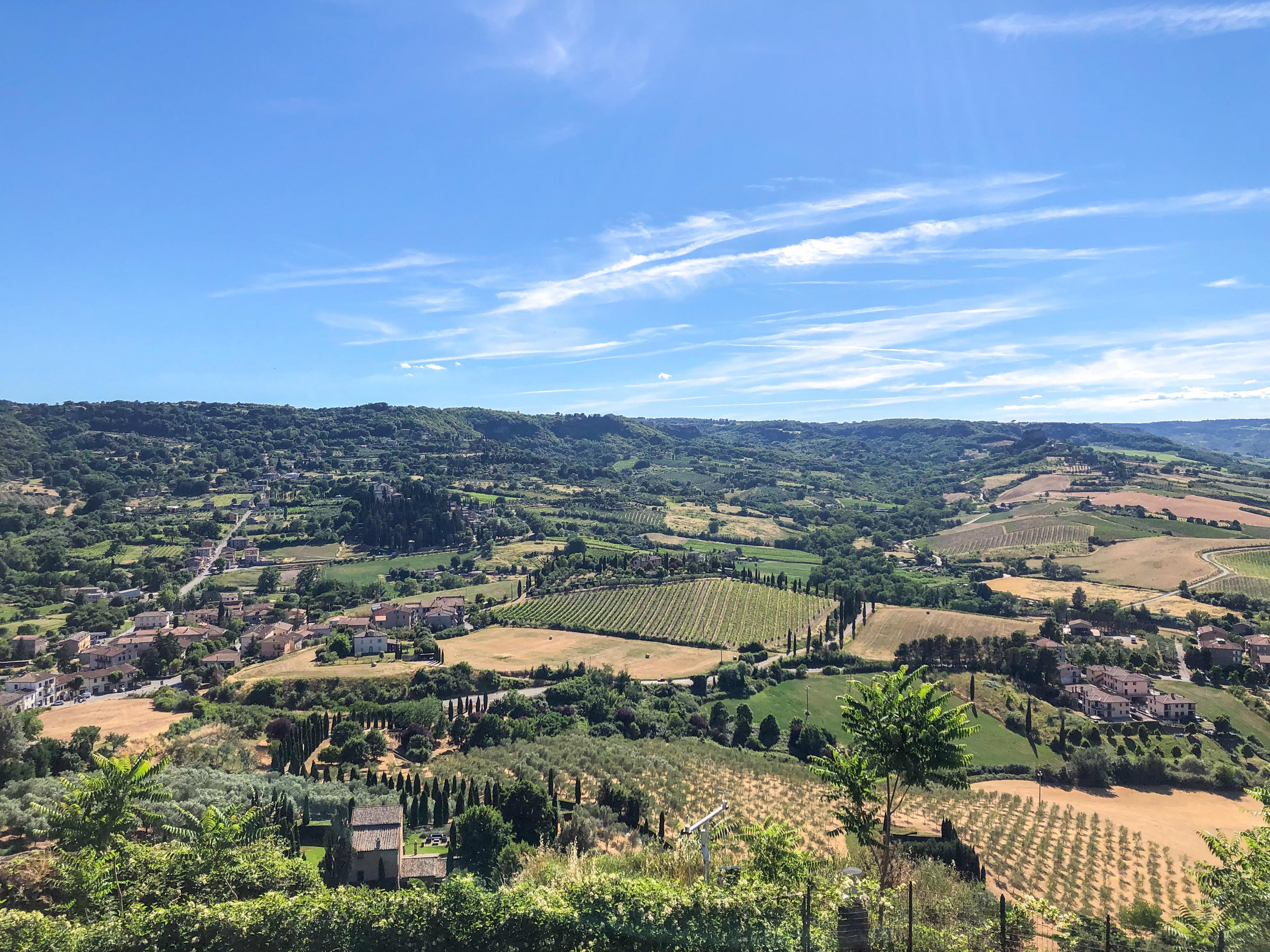 Italia - Italy - Casale Management - Travel - Orvieto - Colli umbri - Vista a Nord