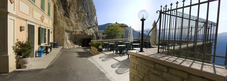 Italia - Italy - Casale Management - Travel - Veneto - Ferrara di Monte Baldo - Verona - Lago di Garda - Santuario Madonna della Corona - Bar Al Santuario