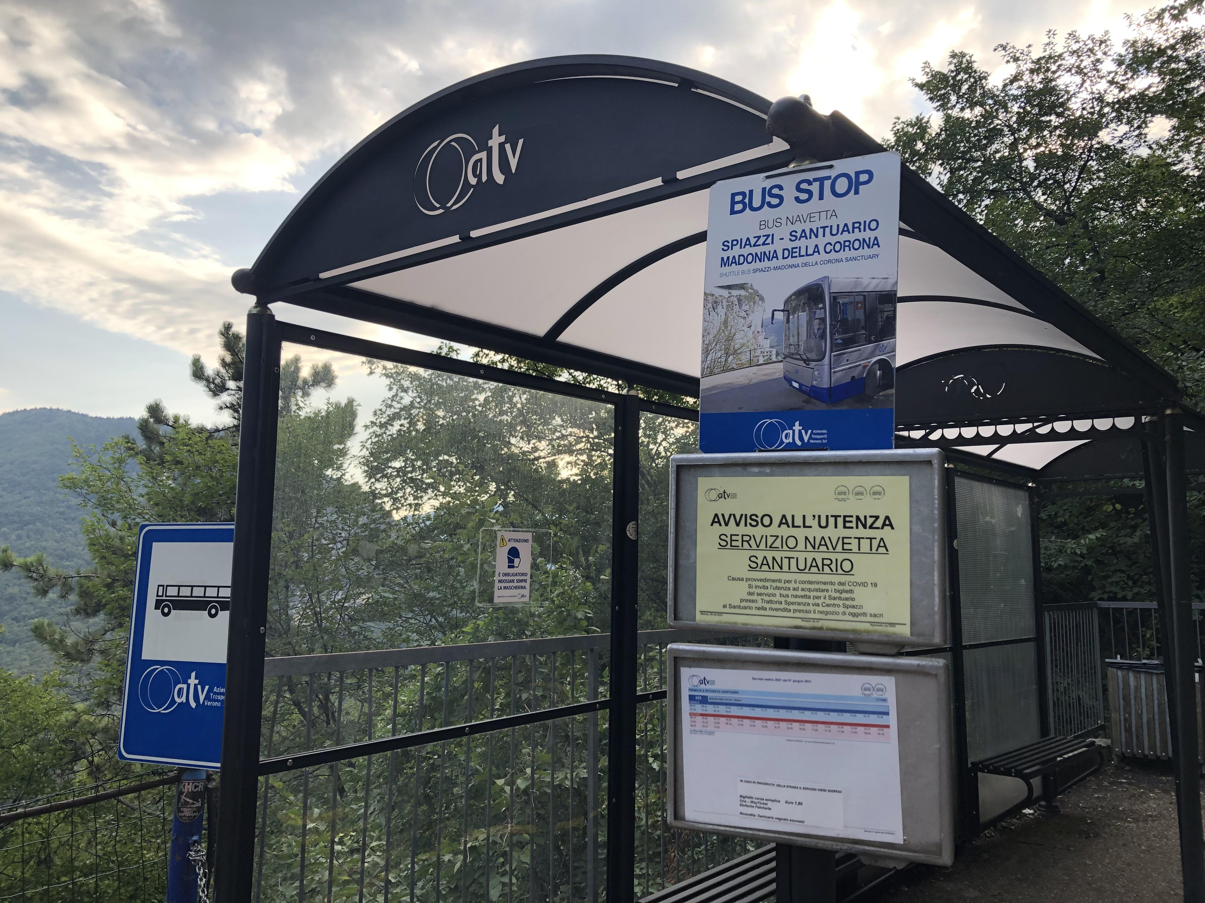 Italia - Italy - Casale Management - Travel - Veneto - Ferrara di Monte Baldo - Verona - Lago di Garda - Santuario Madonna della Corona - Fermata bus