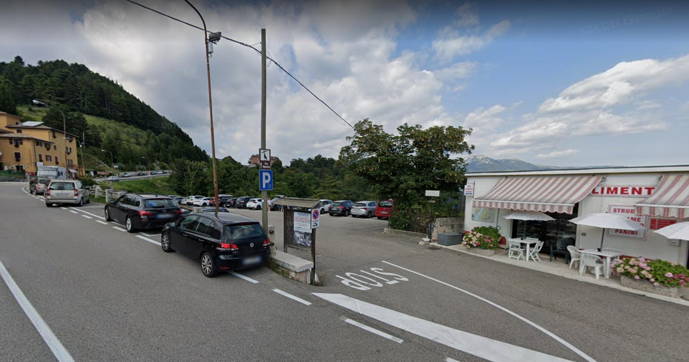 Italia - Italy - Casale Management - Travel - Veneto - Ferrara di Monte Baldo - Verona - Lago di Garda - Santuario Madonna della Corona - Parcheggio Spiazzi