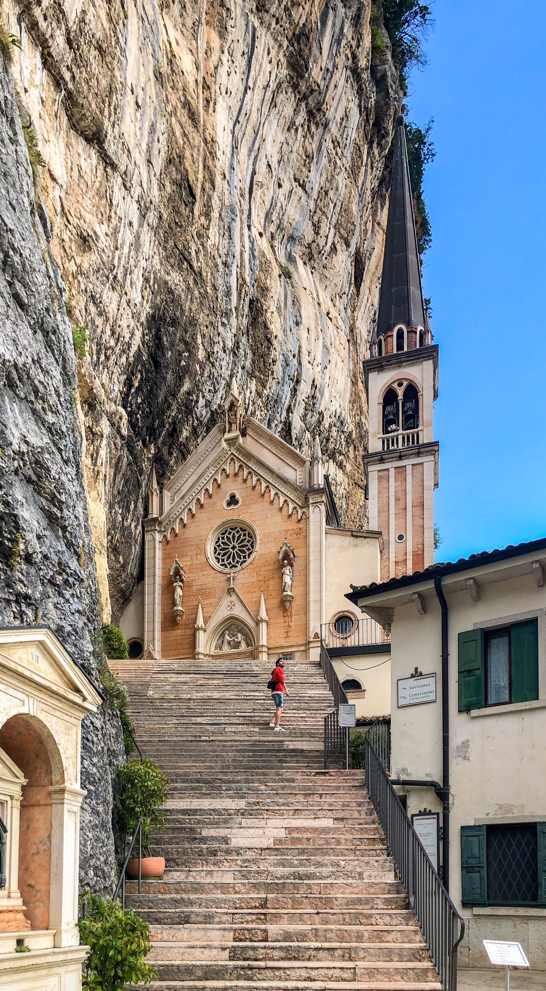 Italia - Italy - Casale Management - Travel - Veneto - Ferrara di Monte Baldo - Verona - Lago di Garda - Santuario Madonna della Corona - Scalinata Santuario